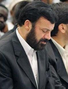موسویقهار-شعرش-را-به-خانواده-شهیدان-سلیمانی-تقدیم-کرد